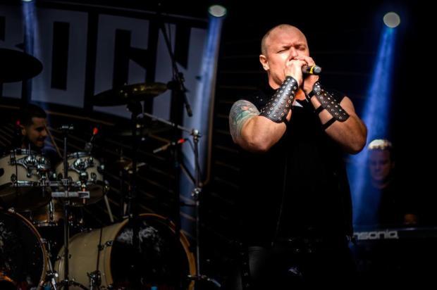Vocalista que fez história no metal da Serra, Leandro Moreira participou do Medi in Rock Rachel Meert Fotografia/Divulgação