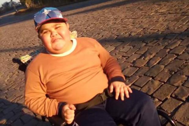 Saiba como ajudar a custear o tratamento de menino de Caxias que luta contra distrofia muscular Ana Rosa / Divulgação/Divulgação