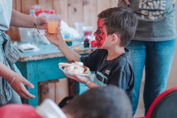 Jantar beneficente para auxiliar famílias em Caxias tem ingressos à venda Projeto Semeando Ações / Divulgação/Divulgação