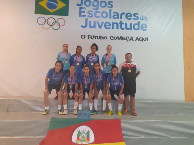 Gurias do Cristóvão são campeãs de futsal na maior competição estudantil do Brasil Divulgação / Cristóvão/Cristóvão