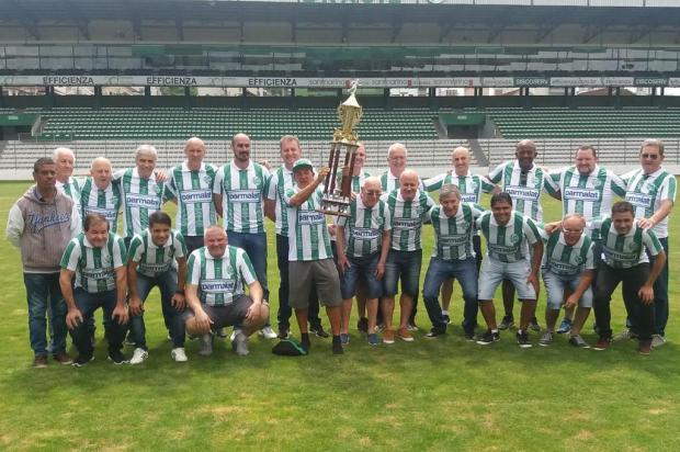 Ex-jogadores e integrantes do grupo campeão da Série B se reencontram no Alfredo Jaconi Maurício Reolon/Agência RBS
