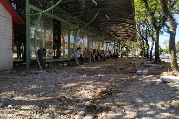 Obras na praça da prefeitura de Farroupilha provocam transferência da parada de ônibus Rodrigo Martins/Prefeitura de Farroupilha,Divulgação