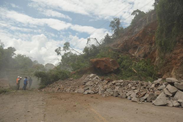 Trecho bloqueado da RS-122, em Farroupilha, deve ser parcialmente liberado na semana que vem, diz secretário Lucas Amorelli/