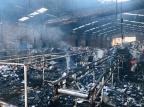 Recicladora pega fogo no bairro Santa Fé, em Caxias 5 BBM/Divulgação