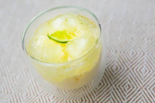 Na Cozinha: faça uma sobremesa incrível de limão com apenas três ingredientes Destemperados/