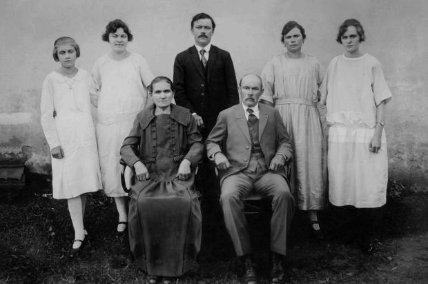 Santa Lúcia do Piaí: as famílias de João Brunner e José Muller Acervo de Irene Muller/divulgação