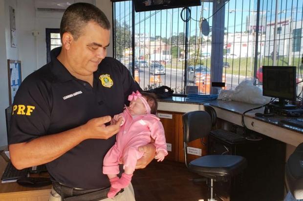 Saiba como foi o reencontro do policial com a bebê que ele ajudou a salvar em Caxias do Sul Jackson Cardoso/Divulgação