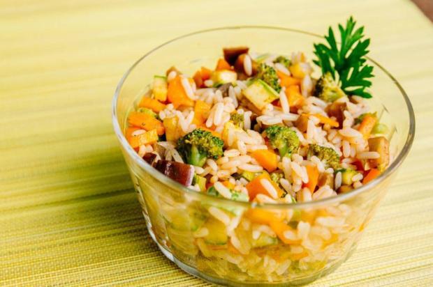 Na Cozinha: saiba como transformar aquele arroz de ontem em um prato maravilhoso Omar Freitas / Agência RBS/Agência RBS