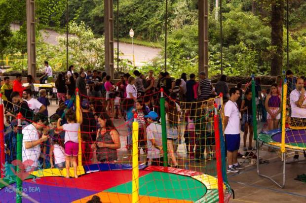 Voluntários arrecadam brinquedos para ação de Natal em Caxias Ação do Bem / Divulgação/Divulgação