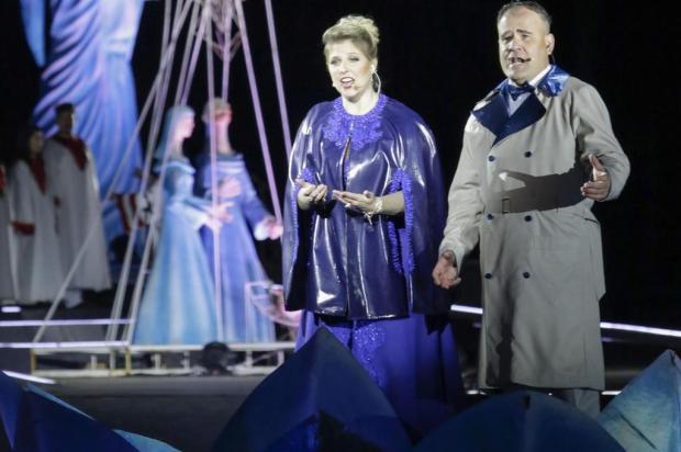 Tenor caxiense é solista do Natal Luz de Gramado desde 2008 Cleiton Thiele/Divulgação