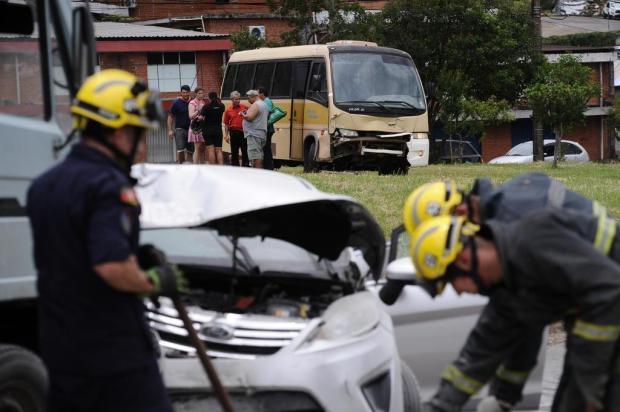 """""""Fiquei sem freio"""", afirma motorista de micro-ônibus envolvido em acidente com pelo menos 12 feridos em Caxias Antonio Valiente/Agencia RBS"""