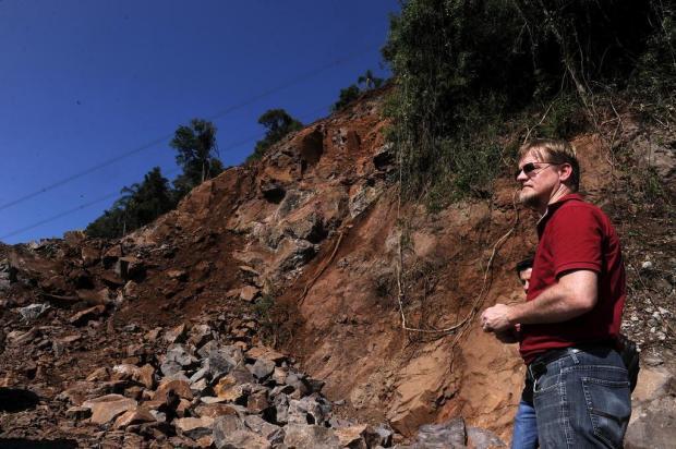 Especialista recomenda liberação de duas pistas na RS-122 devido a risco de nova queda de rochas marcelo Casagrande/Agencia RBS