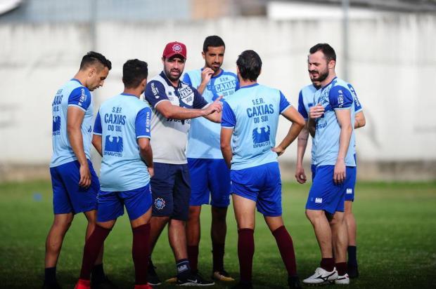 Lacerda observa variações táticas para o time do Caxias que encara o Grêmio na quarta-feira Porthus Junior/Agencia RBS