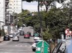 Galhos que encobriam semáforo no Centro de Caxias do Sul são removidos pela prefeitura Adivandro Rech / Divulgação/Divulgação