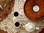Na Cozinha: aprenda a fazer um delicioso bolo de doce de leite Natália Gomes / Agência RBS/Agência RBS