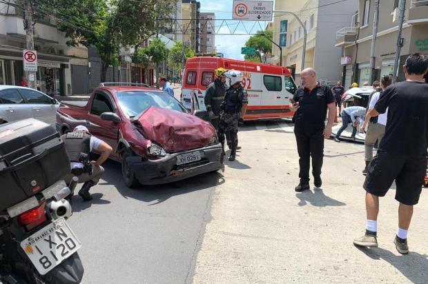 Acidente deixa dois idosos feridos no Centro de Caxias do Sul Luis Felipe Amorin/agência RBS