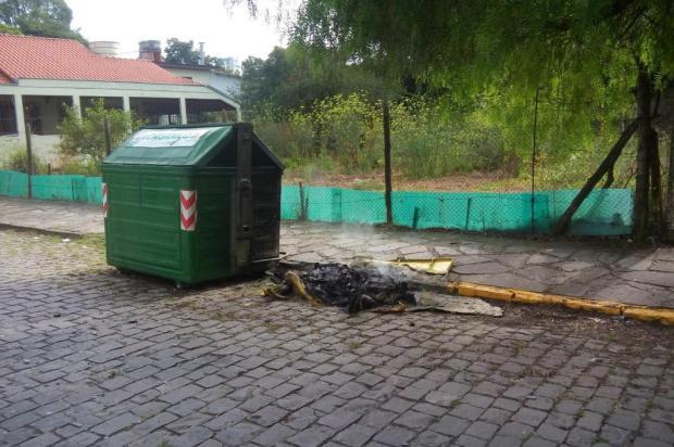 Contêineres de lixo seletivo voltam a ser alvo de vândalos em Caxias Euzébio Emílio Rotta/Divulgação