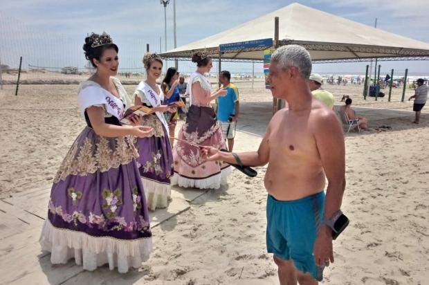 Soberanas divulgam Fenavindima de Flores da Cunha no Litoral Norte Fábio Carnesella/Divulgação
