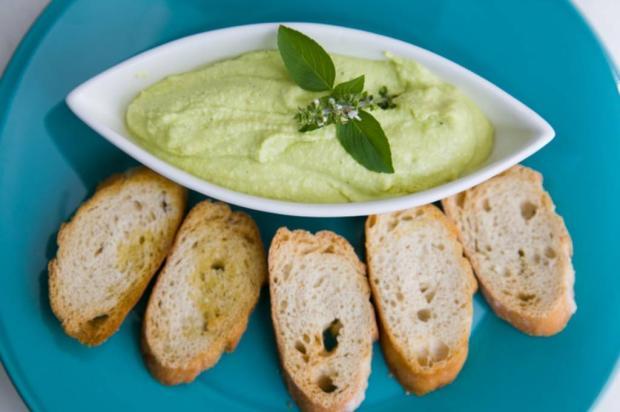 Na Cozinha: saiba como fazer a melhor maionese de abacate Andréa Graiz/
