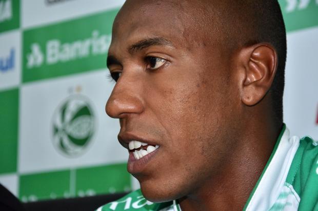 """""""Me considero um jogador polivalente"""", diz reforço do Juventude para 2020 Gabriel Tadiotto / Divulgação / EC Juventude/Divulgação / EC Juventude"""