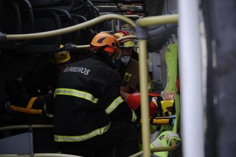 Bombeiros participam de treinamento inédito em Caxias para criar manual de salvamento (Antonio Valiente/Agencia RBS)