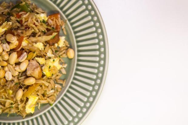 Na Cozinha: já fez arroz frito com frango e amendoim na sua casa? Anderson Fetter/Agencia RBS