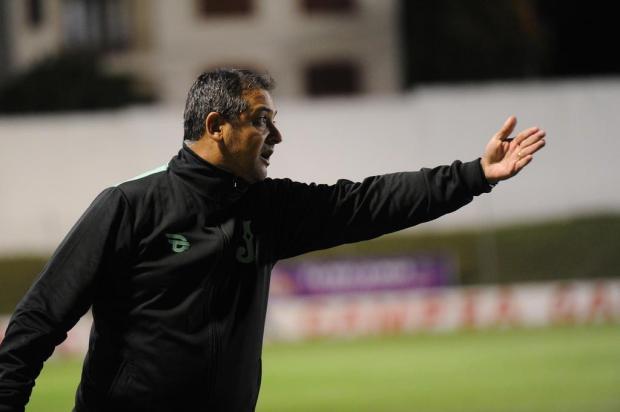 """""""Creio que o Juventude esteja, para a estreia contra o Inter, de 60 a 70% pronto"""", diz Marquinhos Marcelo Casagrande/Agencia RBS"""