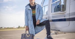 Conheça o caxiense que chamou atenção da imprensa britânica ao incluir saias e bolsas no vestuário Mark Brown/Divulgação