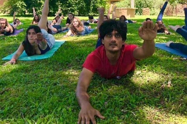 Indiano ministra aulão de ioga nesta quarta, em Caxias Arquivo pessoal/Divulgação