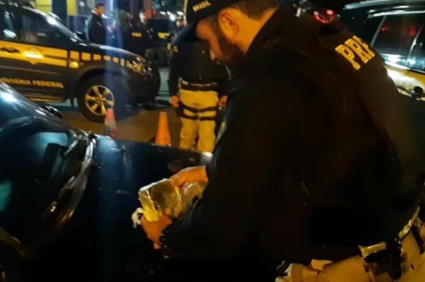 Depois de tentar fugir da polícia, três homens são presos por tráfico de drogas em Caxias Polícia Rodoviária Federal/Divulgação