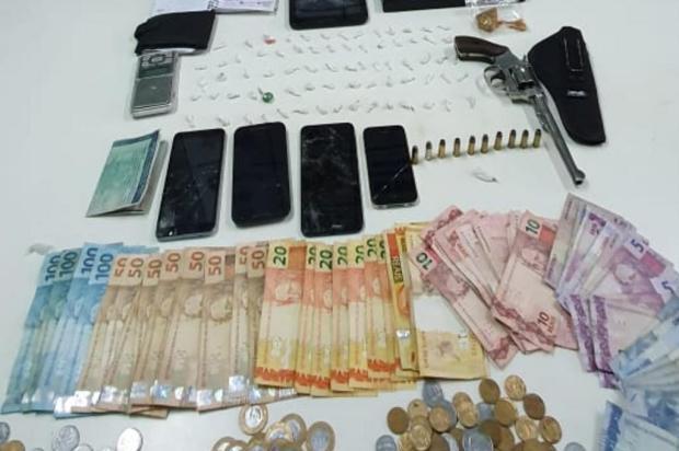 Depois de denúncia, homem é preso por tráfico e porte ilegal de arma de fogo em São Marcos Brigada Militar/Divulgação