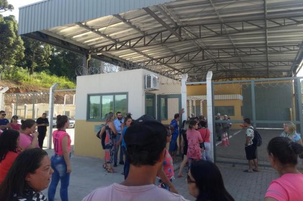 Presos são transferidos da Penitenciária de Bento Gonçalves após rebelião Mateus Frazão/Agência RBS