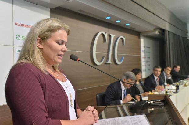Ex-rainha da Festa da Uva segue CC e agora está lotada no gabinete do prefeito de Caxias Gilmar Gomes/Objetiva