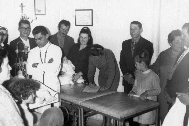 Santa Lúcia do Piaí: a trajetória do médico boliviano Carlos Arnez Acervo de família/divulgação