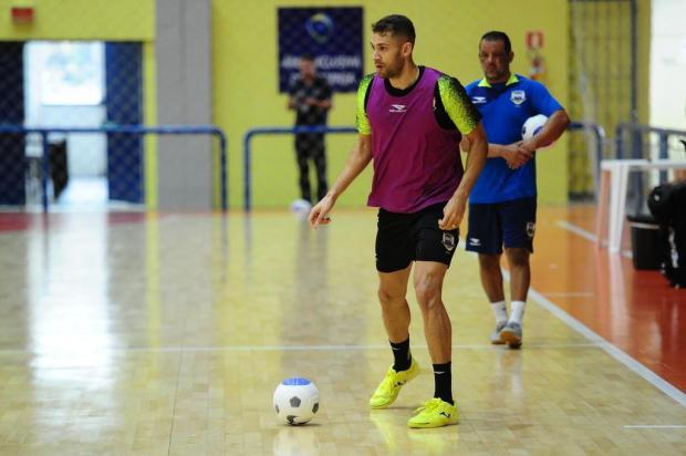 Com Pito se sentindo em casa, Brasil encara Equador em busca da vaga para o Mundial de Futsal Porthus Junior/Agencia RBS
