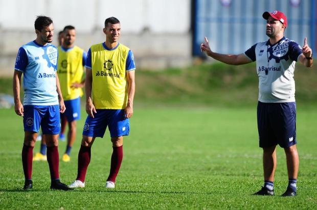 """Técnico do Caxias lamenta jogos sem público, mas aprova decisão da FGF: """"Questão de saúde"""" Porthus Junior/Agencia RBS"""