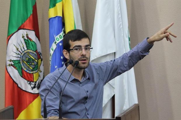 Protocolado pedido de impeachment de vereador de Caxias do Sul Gabriela Bento Alves/Divulgação