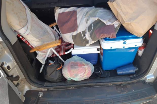 Argentino é flagrado trasportando crianças no porta-malas de carro em Vacaria PRF / Divulgação/Divulgação