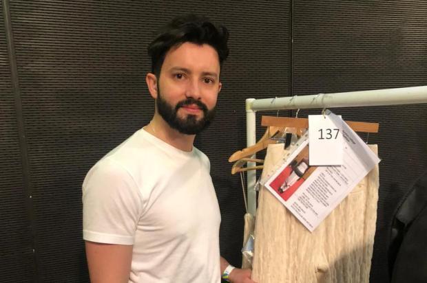Estilista caxiense mostra coleção autoral na semana de moda de Londres Arquivo pessoal/Divulgação
