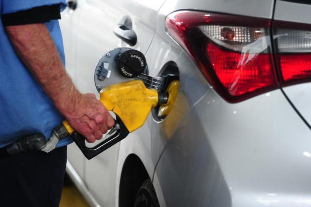 Gasolina fica abaixo dos R$ 4 pela primeira vez em dois anos e meio em Caxias Porthus Junior/Agencia RBS