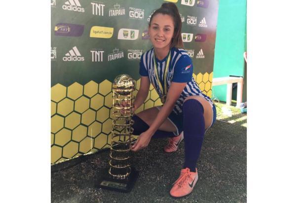 Novo reforço do Brasil-Fa foi campeã da Copa do Brasil de futebol 7 pelo Avaí Arquivo pessoal/Kelly Becker