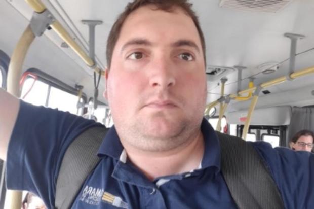 Presidente da Câmara de Vereadores de Caxias divulga foto em transporte público Facebook/Reprodução