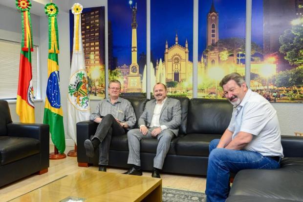 Ex-vice-prefeito de Caxias visita Cassina e Frizzo João Pedro Bressan/Divulgação