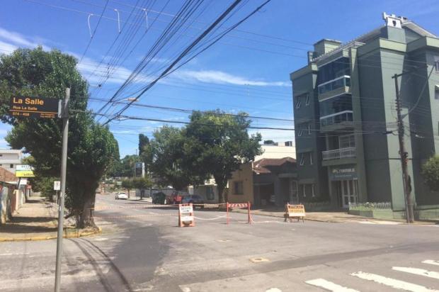 Obras bloqueiam a Rua Vinte de Setembro pelo menos até o final da semana em Caxias Noele Scur/Agência RBS