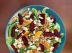 Na Cozinha: aprenda a fazer salada de beterraba e queijo de cabra Destemperados / divulgação/divulgação
