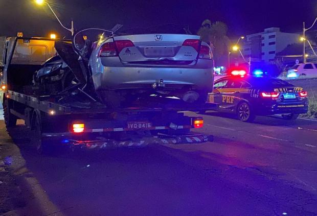 Carro envolvido em grave acidente em Caxias acumula mais de R$ 5 mil em multas PRF / divulgação/divulgação