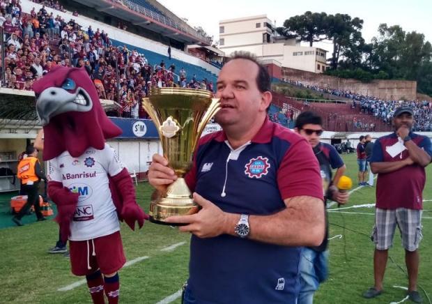 """""""Eles vieram, pagaram e fizeram parte da nossa festa"""", diz presidente do Caxias sobre a polêmica divisão do estádio Pedro Petrucci / Agência RBS/Agência RBS"""
