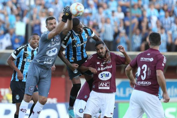Zagueiro do Caxias ressalta que equipe quer mais e deseja o título do segundo turno Lauro Alves/Agencia RBS