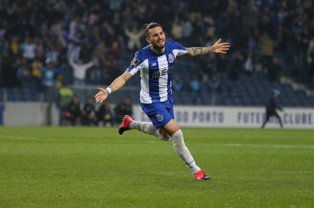 Alex Telles relata a mudança da rotina em Portugal por conta da Covid-19 Porto/Divulgação