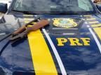 Homem é preso por porte ilegal de arma em Vacaria Divulgação / PRF/PRF